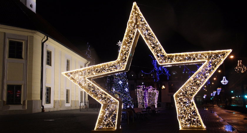 Inwestycje, kosztowały ozdoby świąteczne Bielsku Podlaskim Ponad tysięcy złotych ostatnich latach - zdjęcie, fotografia