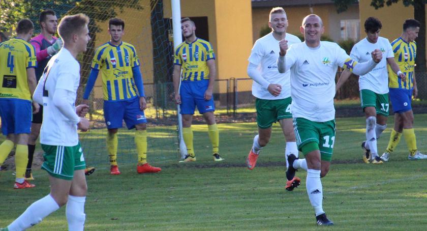 Marcin Kobierski na 4:0 w meczu Tur Bielsk Podlaski - Warta Sieradz.