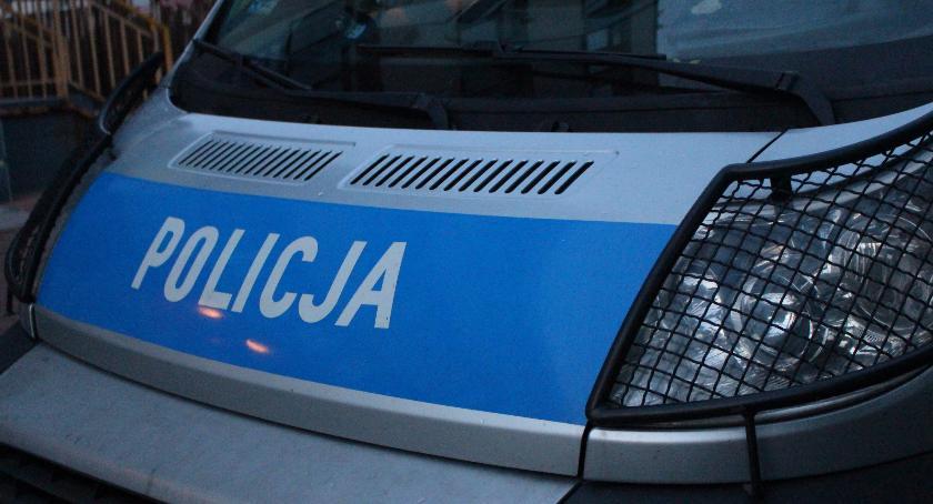 Przestępstwa i Wykroczenia , Bielszczanin ukradł alkohol zranił nożem ochroniarza - zdjęcie, fotografia